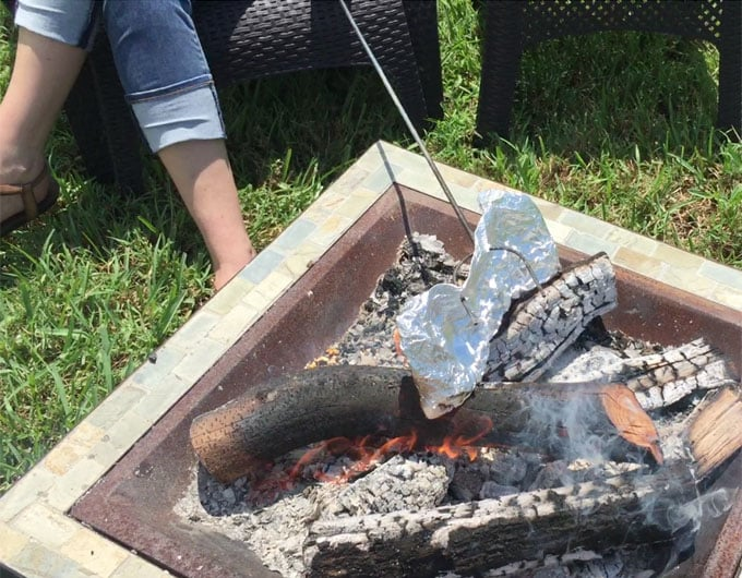 How to pop popcorn on the campfire