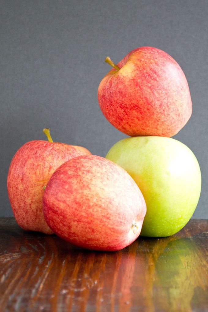 What types of apples are best for making candy apples?