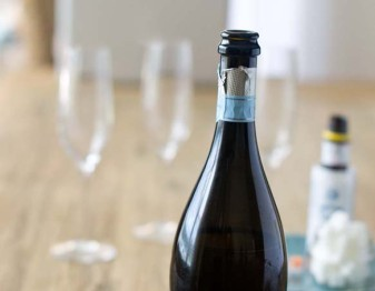 How to Choose the Perfect Sparkling Wine for Cocktails