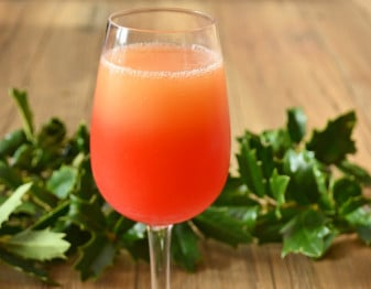 Find out how to turn your classic mimosa into a Christmas special by adding some extra flavor and color.