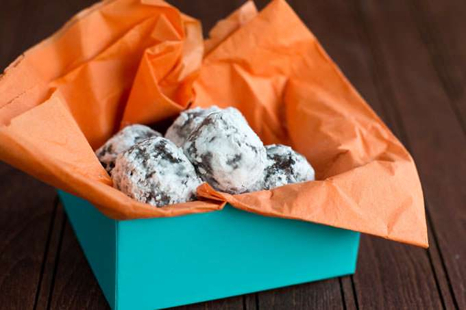 Rolled truffles in a box