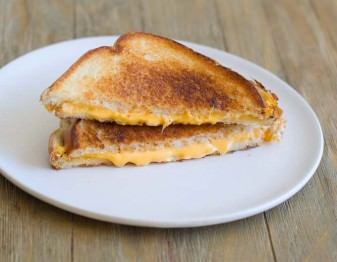 How to Make a Classic Grilled Cheese