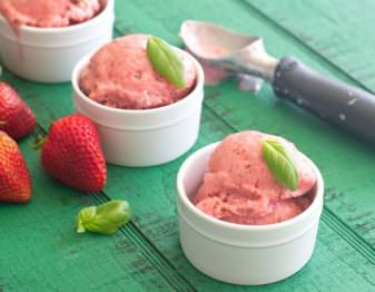 Strawberry Basil Frozen Yogurt