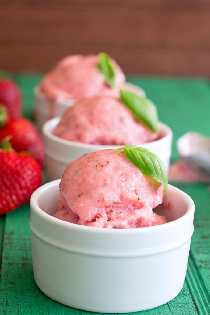 Strawberry Basil Frozen Yogurt without an Ice Cream Maker