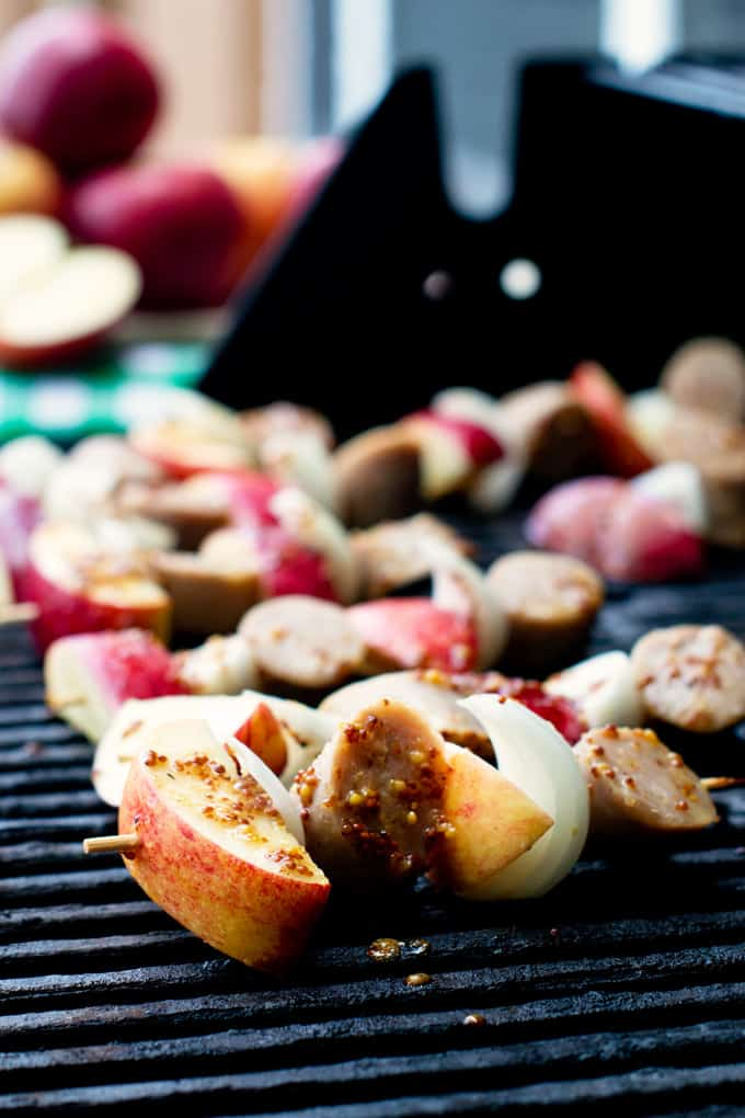 Food tastes 1000x better when it\'s served on a stick. And these Vidalia, sausage and apple kebabs live up to the expectation.