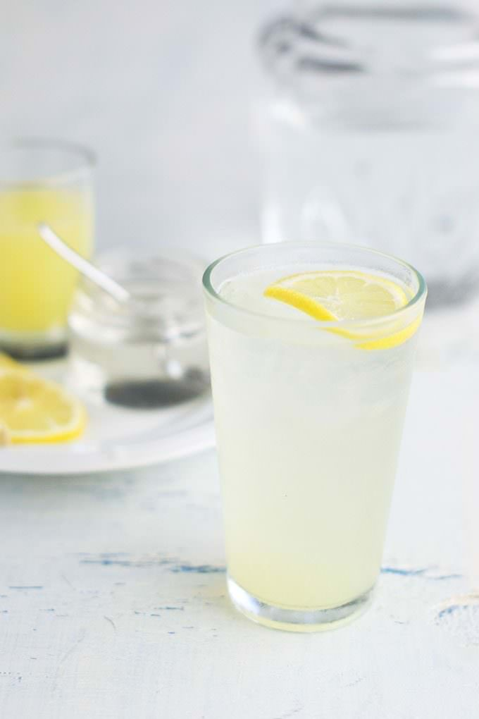 Citron Pressé: French Lemonade