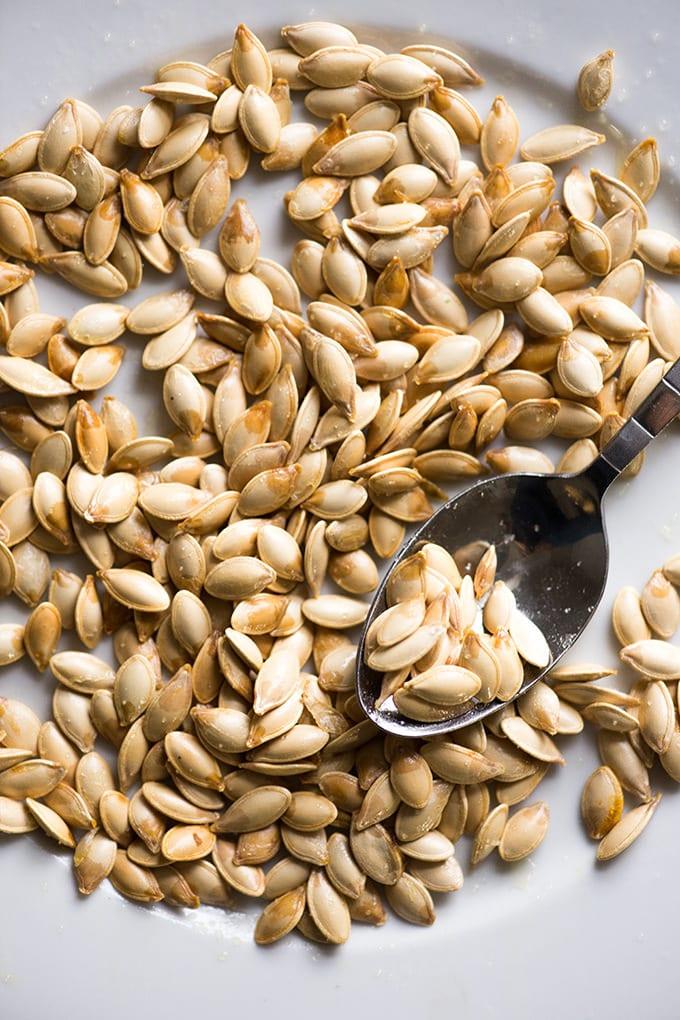 Microwaved pumpkin seeds