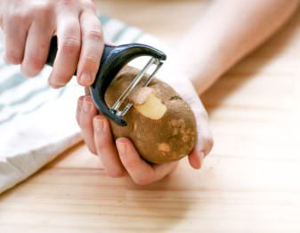 How to Peel Potatoes