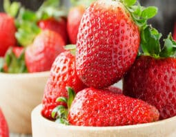 nutritional facts about strawberries