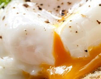 Poached eggs are one of those potentially tricky things to master. Never fear! We've got you covered with 10 tips that will make you the best egg poacher in the west!
