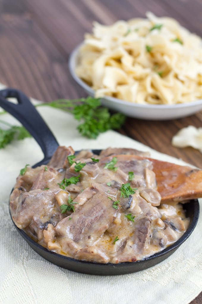 Do you have some leftover roast beef and you are not sure what to do with it? You can turn your roast beef into a tasty dish by making leftover roast beef stroganoff.